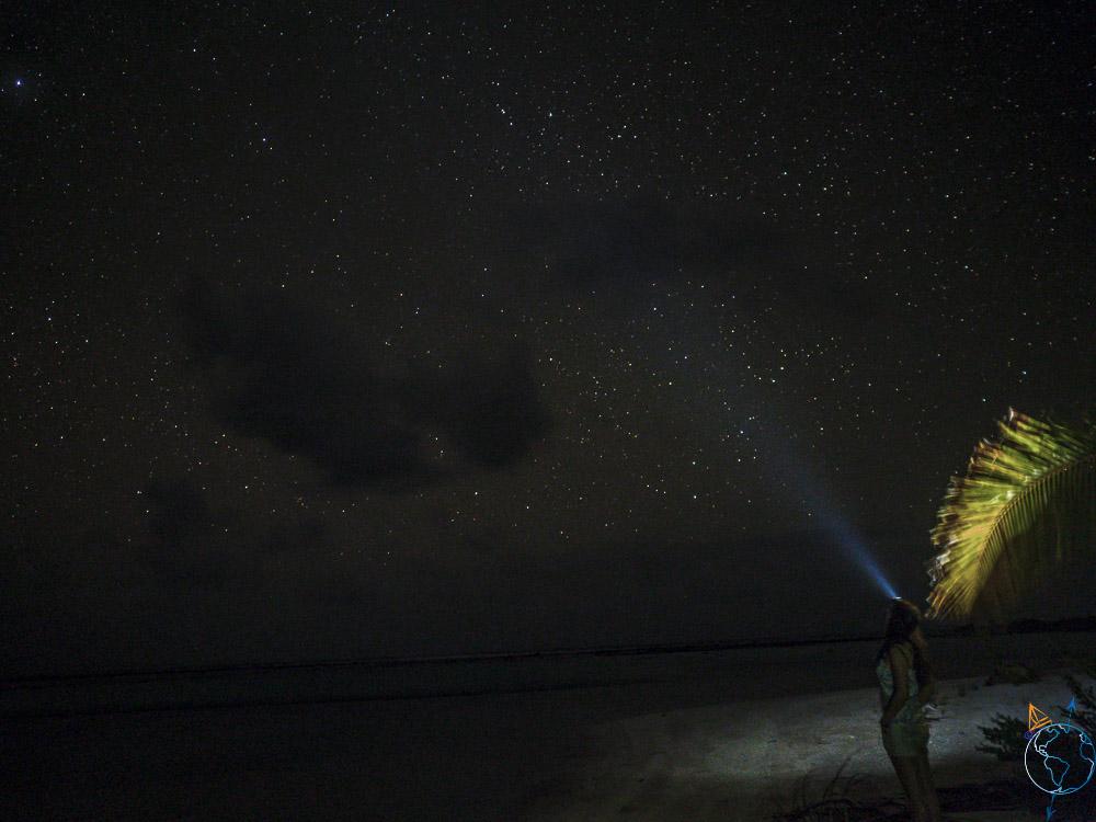 Photo de nuit et du ciel prise à Makemo.