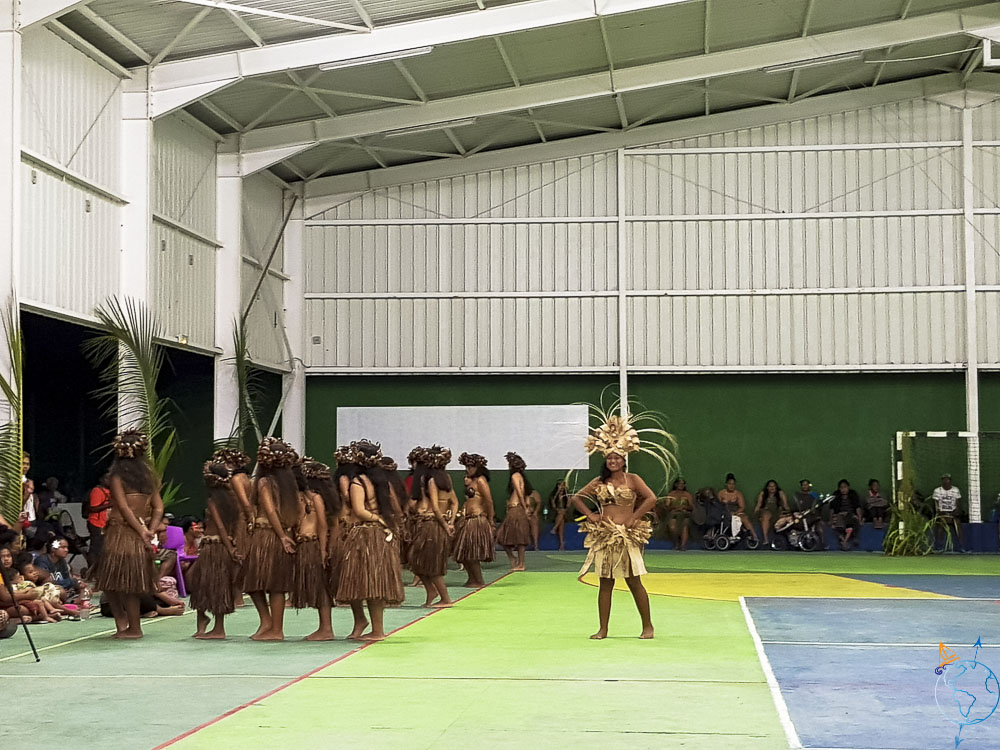 Danses traditionnelles lors du Heiva festival de Makemo.