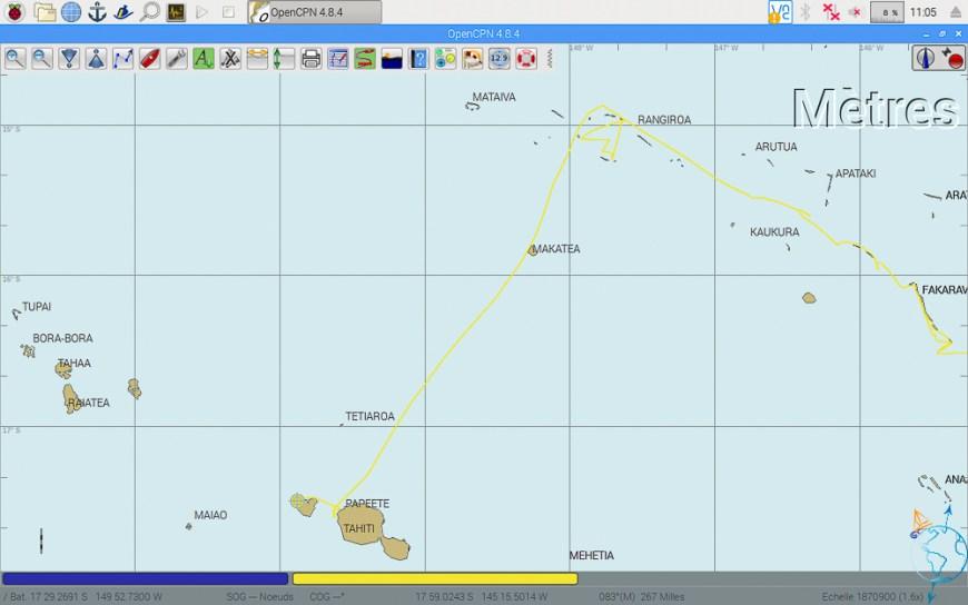 Navigation entre Rangiroa et Tahiti avec croisement de l'île de Makatea.