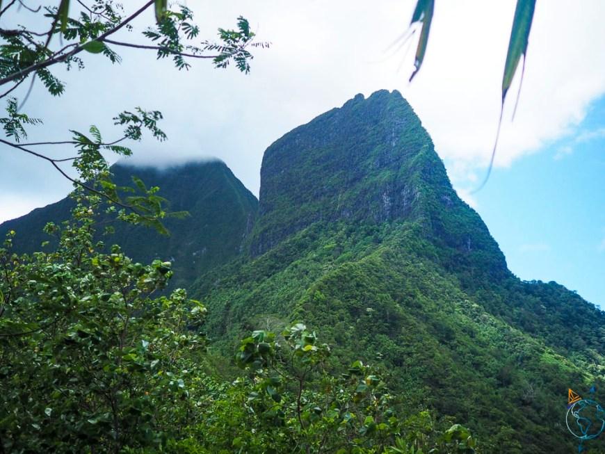 Le mont Tohiea, le plus haut sommet de l'île de Moorea.