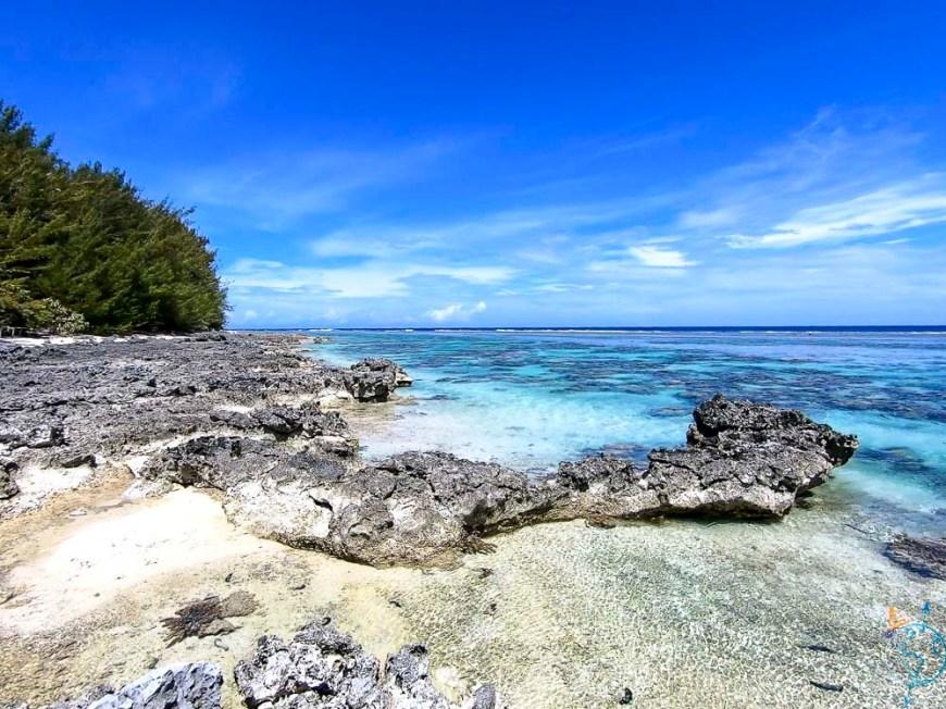 Le platier du motu Fareone, côté océan.