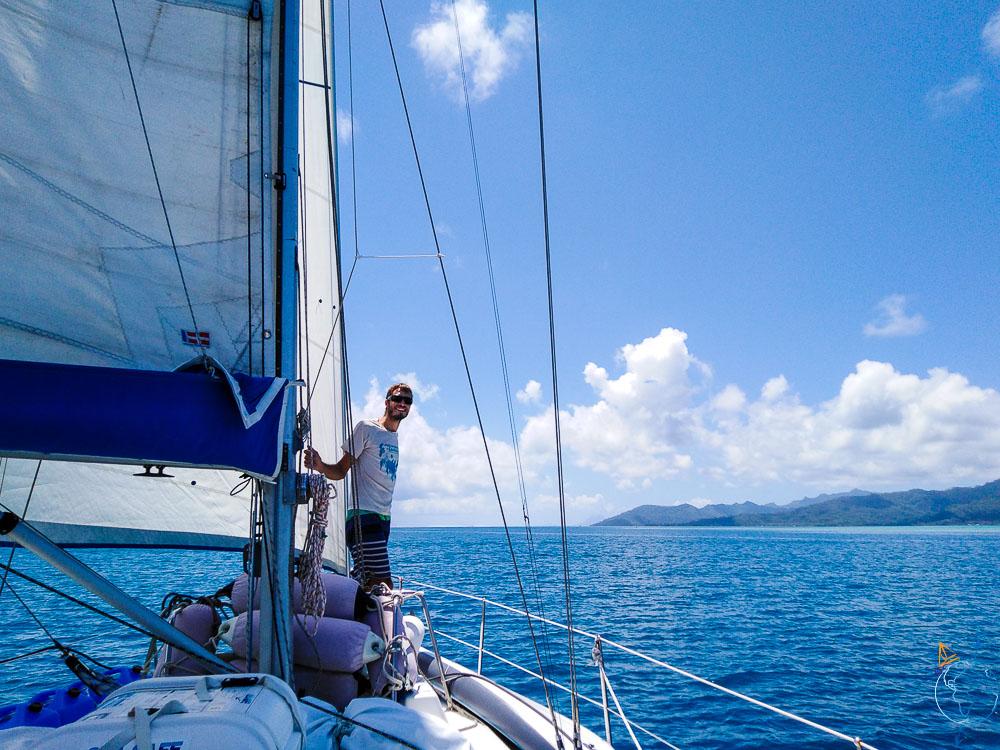 Navigation sous voiles entre Raiatea et Taha'a.