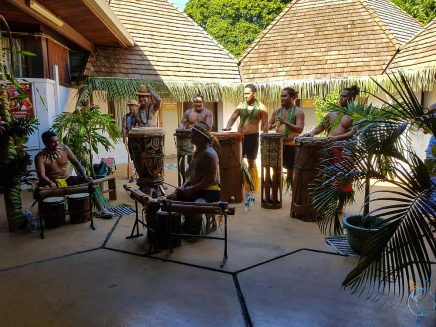 Groupe de musique polynésienne au FIFO à Papeete.