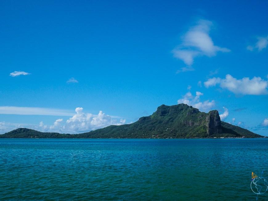 Le volcan de Maupiti vu depuis son lagon.