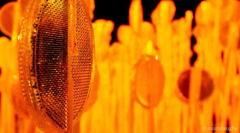 Reflectors in orange light