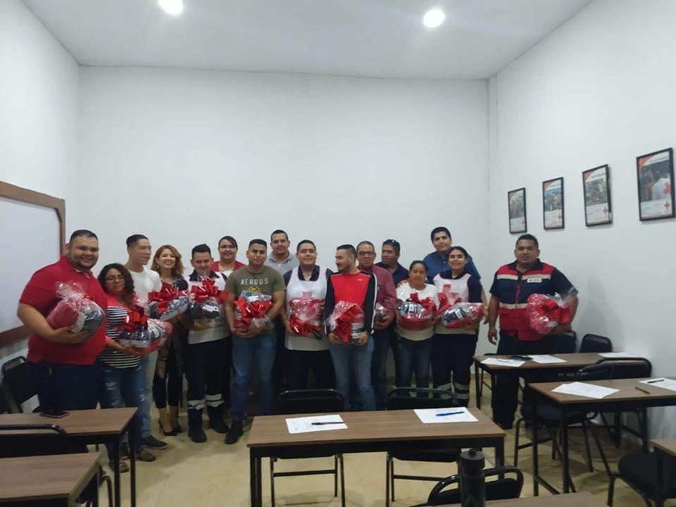 KMS dona uniformes completos a Cruz Roja Manzanillo