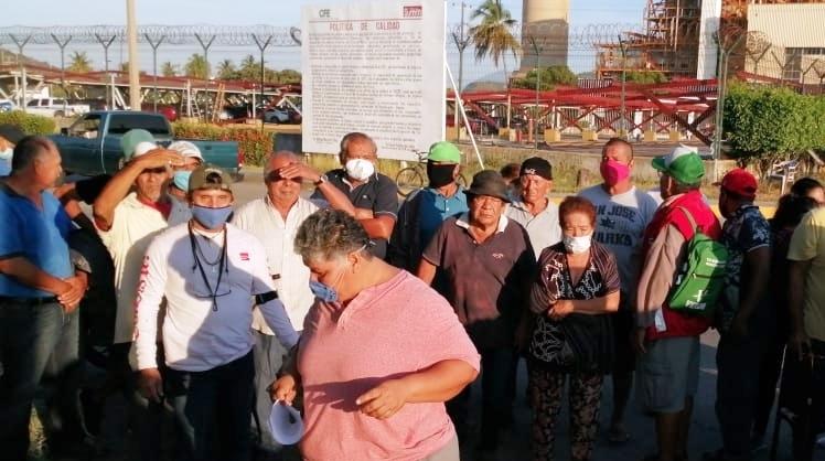 Nuevamente bloquean pescadores accesos a la Termoeléctrica en Manzanillo