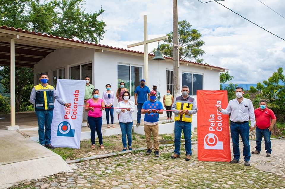 Peña Colorada beneficia a cientos de personas con obrasen comunidades de Minatitlán
