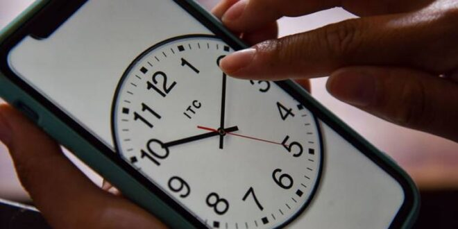 Se acerca el cambio de horario en México ¿Se atrasa o adelanta el reloj?
