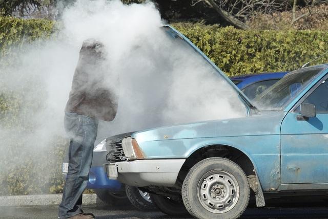 Meu carro ferveu. O que fazer?