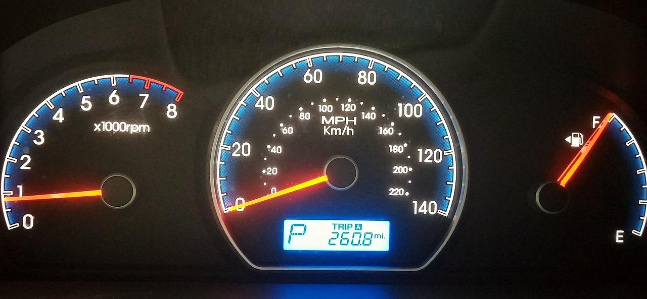 e2822d3c9 Seta: a luz do painel não pisca - Mãos ao Auto