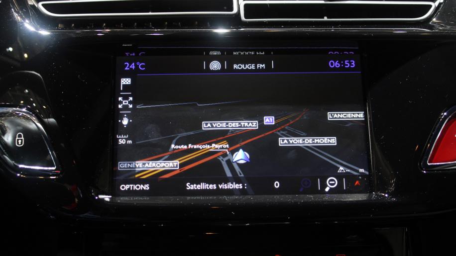 Troca de bateria e o sistema elétrico dos carros franceses