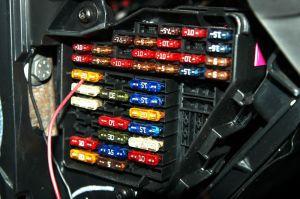 caixa de fusíveis 1  Mãos ao Auto