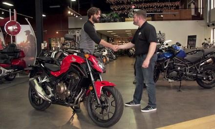 """<span class=""""entry-title-primary"""">O que devemos saber antes de comprar uma moto</span> <span class=""""entry-subtitle"""">Dicas para comprar uma moto usada</span>"""
