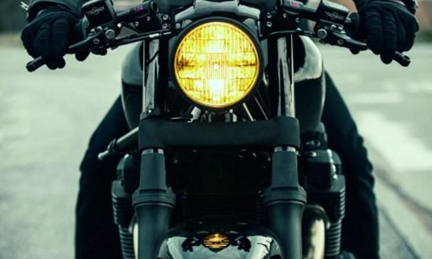 Como é a lâmpada de farol de moto