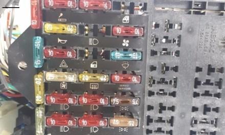 """<span class=""""entry-title-primary"""">Fusíveis da Elba da Fiat – Onde ficam e referências</span> <span class=""""entry-subtitle"""">Conheça os fusíveis desse modelo antigo da Fiat</span>"""
