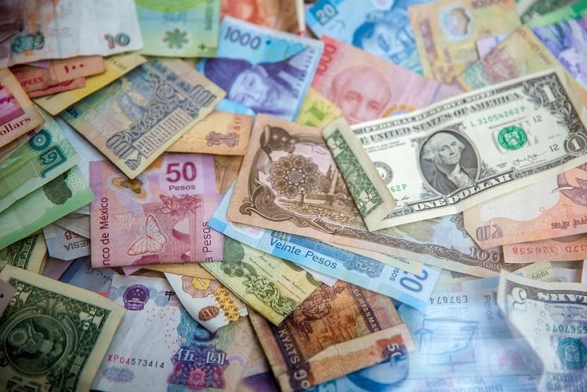 levar dinheiro viagem internacional