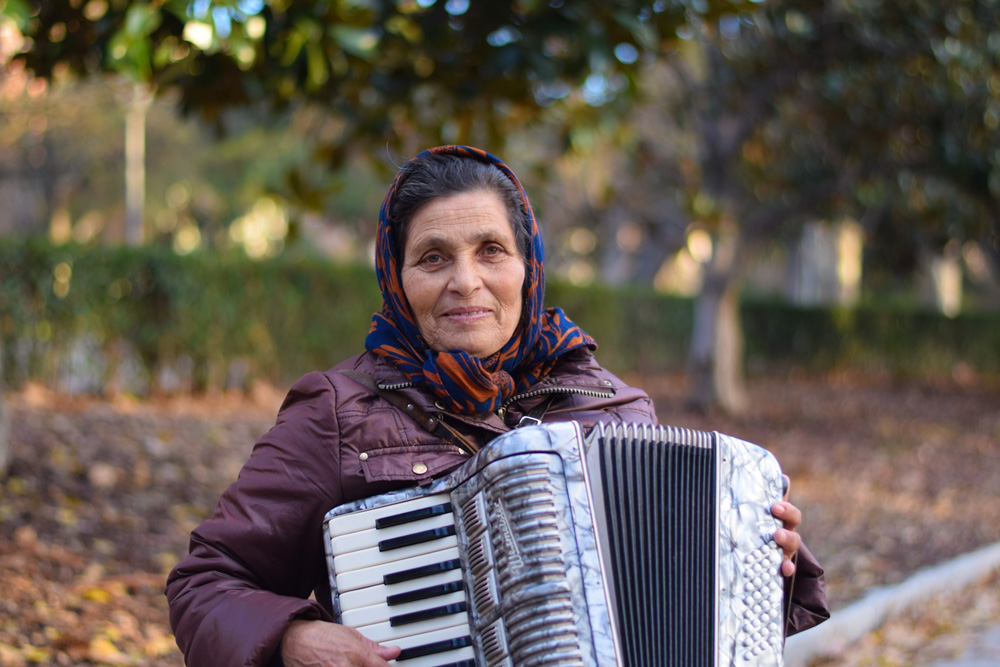Madrid-Accordion-Player-Portrait-1000px-opt