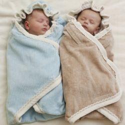 Как пеленать новорожденного ребенка?