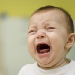 Причины детского плача во сне (по ночам), что делать?