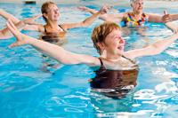 mayores-ejercicio-agua