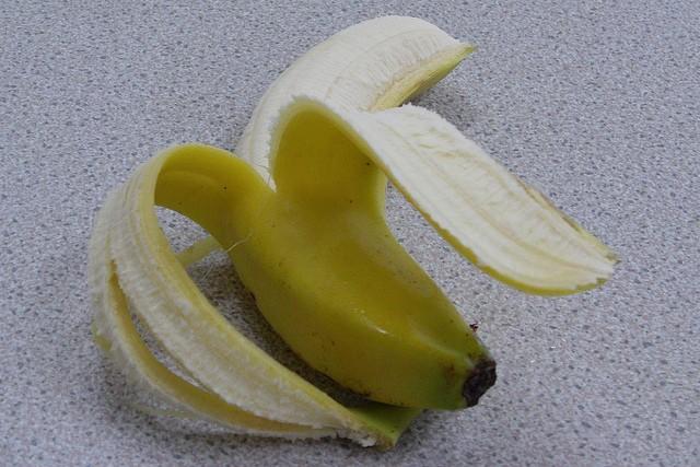 37 vertus et utilisations de la banane pour la santé, la peau et les cheveux