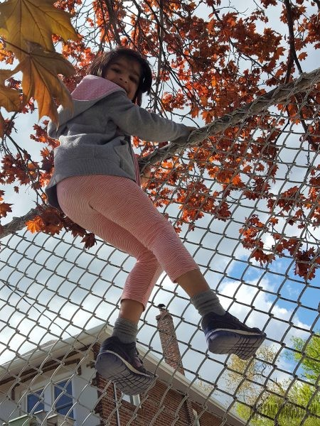 Are we raising a generation of scared kids? | Risky play vs. being safe | Active kids | Kids activities | Raising kids| MapleandMarigold.com