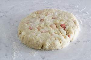 peach scones - disc