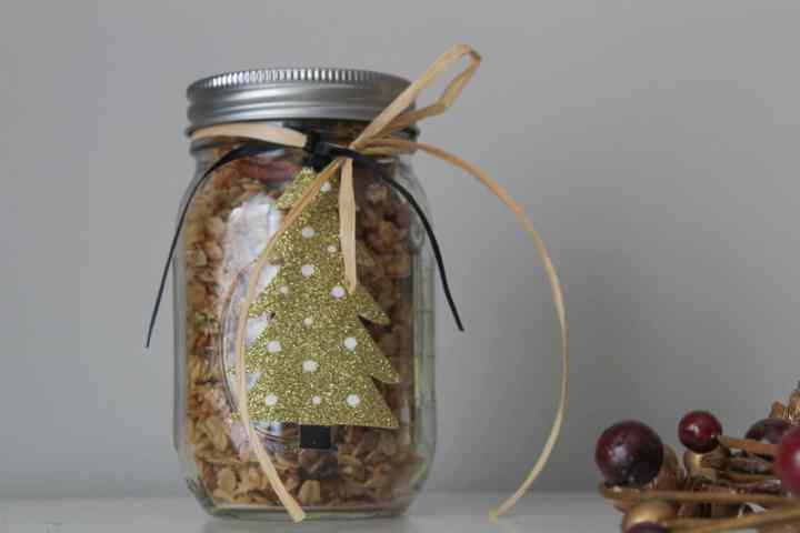 maple pecan granola gift jar