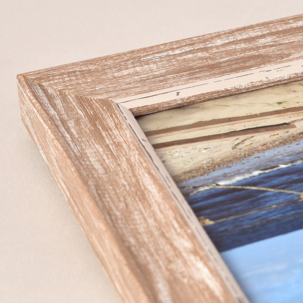 Fraya 25 lime-washed frame