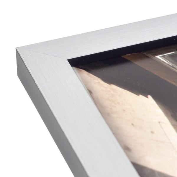 Freedom silver frame corner