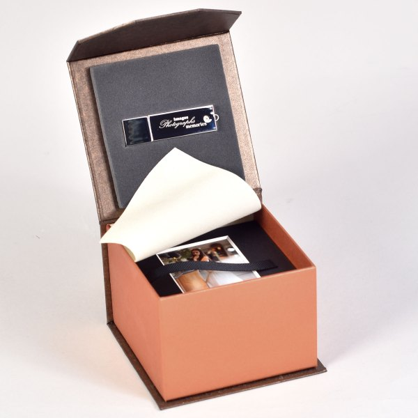 Bliss Mini Mount Box in Pearl Bronze & Pearl Copper with Flash Drive