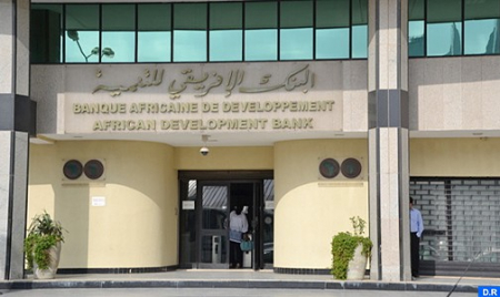 """تثقيب سد المسيرة """"إنجاز تقني"""" يستجيب لإشكالية الإجهاد المائي بمنطقة مراكش (البنك الإفريقي للتنمية)"""