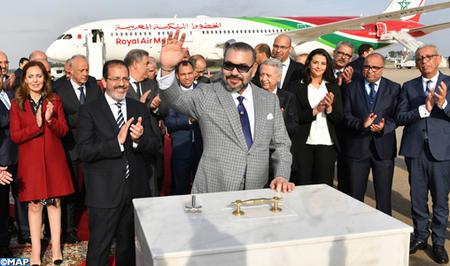 SM le Roi pose la première pierre d'un nouveau terminal à l'aéroport de Rabat-Salé et lance la nouvelle génération des avions de la RAM