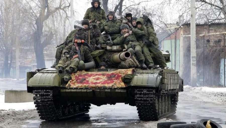 Rebelët në Ukrainën Lindore vetëshpallen republikë  Rusia u njeh pasaportat