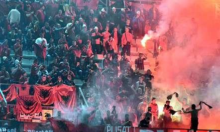 FSHF përjashton tifozët shkaktarë të trazirave në Palermo