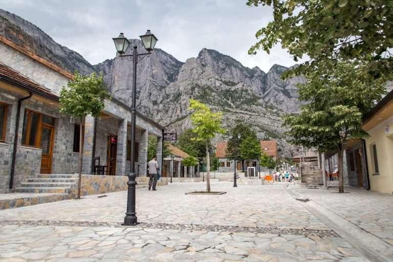 Zvicer  Jo  Janë Alpet Shqiptare  natyra  pikturoi  perlën e Ballkanit