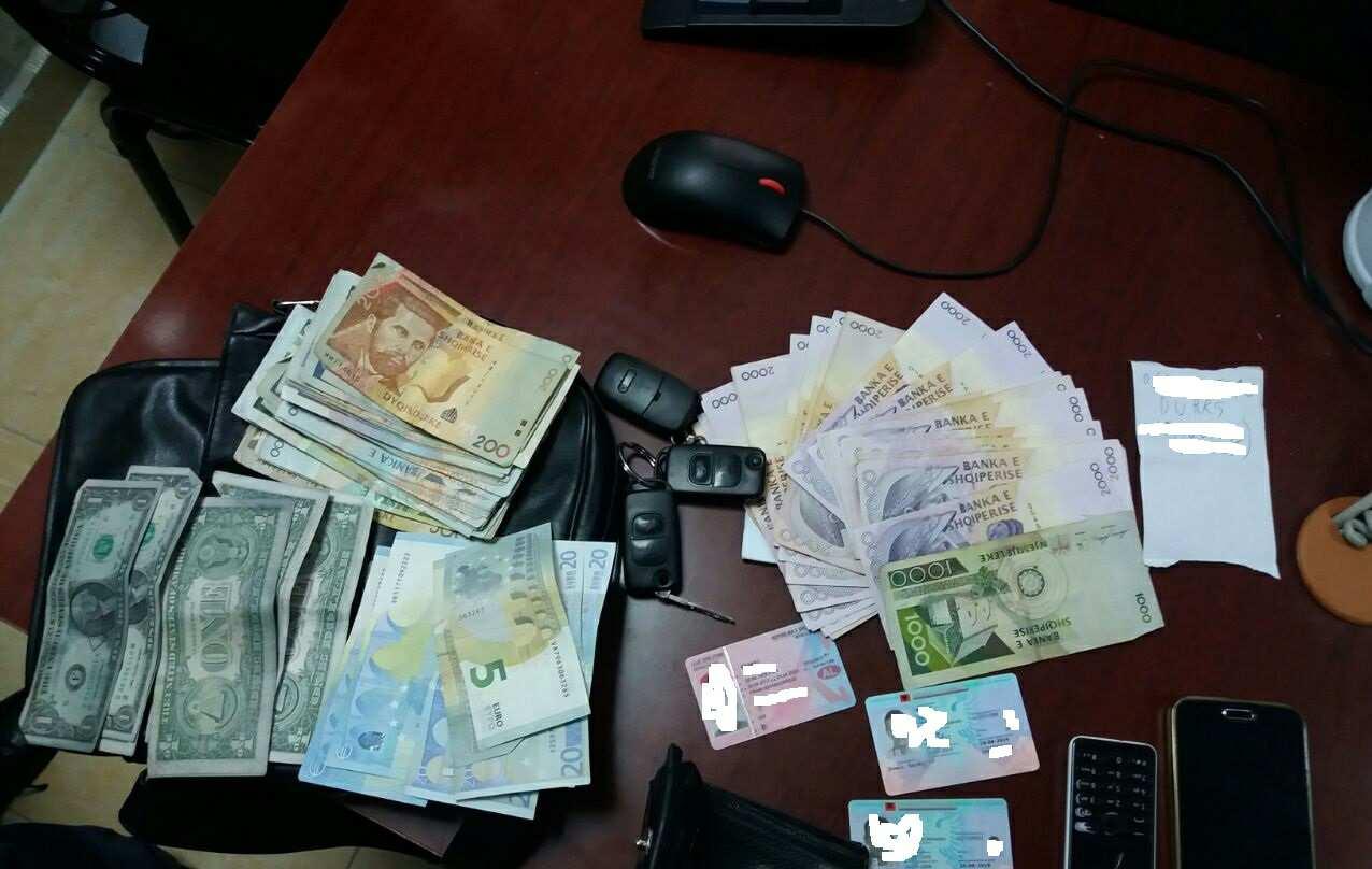 Gjirokastër  400 euro për të kaluar kufirin  pranga 2 efektivëve të policisë kufitare