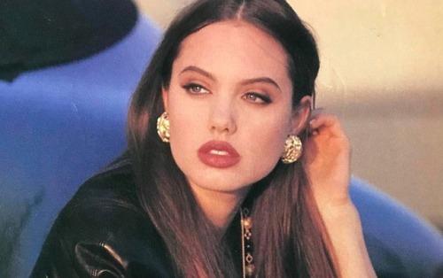 13.-17-year-old-Angelina-Jolie-1992