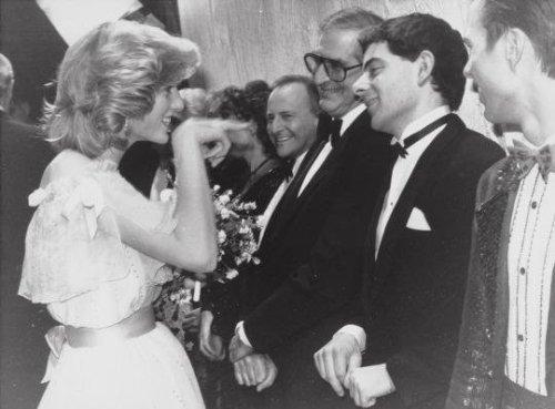 18.-Princess-Diana-and-Rowan-Atkinson-at-the-Royal-Variety-Show-1984
