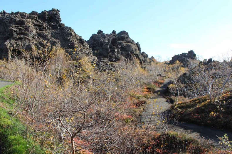 Dimmuborgir, mooiste bezienswaardigheden rond Mývatn [roadtrip route] - Map of Joy