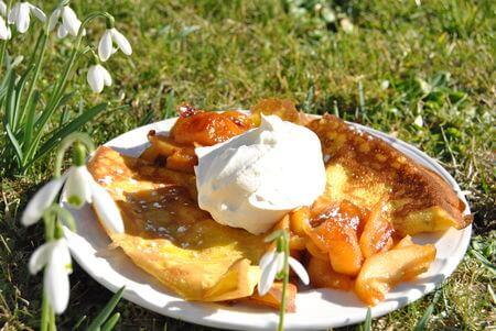 crepes-aux-pommes-caramelisees