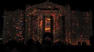 Красивый видеомэппинг на индийском фестивале Mysore Dasara