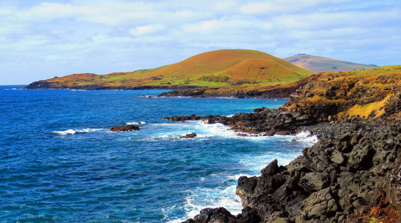 The stunning Easter Island coastline.
