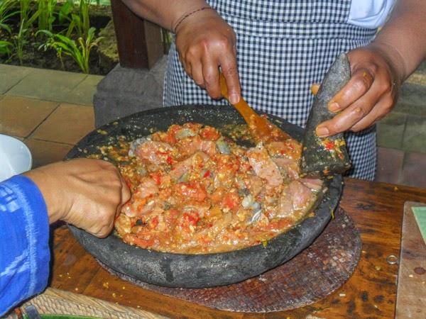 bali_cooking_class_spicy_shrimp_tuna
