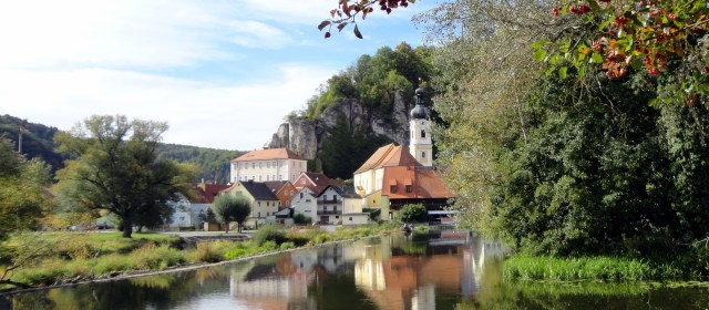 Traditions and Festivals in Medieval Kallmünz, Germany