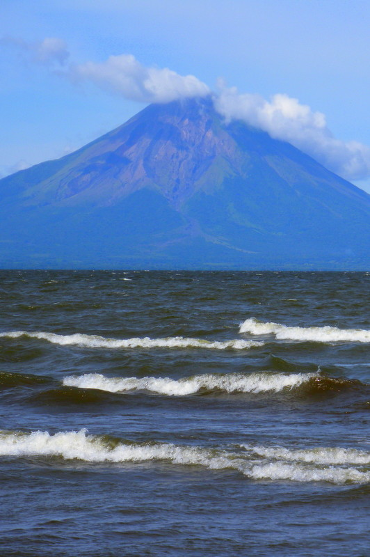 Nicaragua lakes and volcanoes