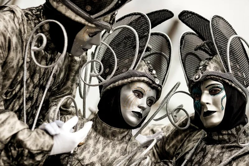 What's really special about the Venetian Carnival is that it's tradition to wear the typical masks and walk in the streets dressed in costumes.