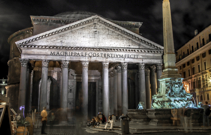 Two of the spots you should include in your tour, no matter what, are the Colosseum and Pantheon. Yes, it's true that they are very touristy, but there's a reason why they are so visited, they're amazing!