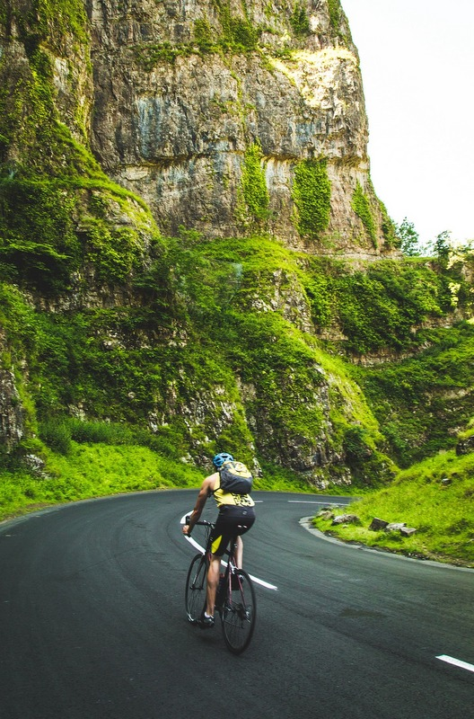 A long-distance bike ride is a great option for exploring the States for those who aren't restricted by time. Depending on your route, this could lasts anywhere from a few weeks to couple of months. And the great thing is that anyone can do it.